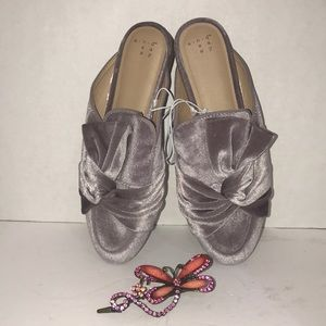 Shoes - Women's Lilac Slip-on Flat Mules Bow-Front New
